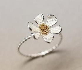 Danity White daisy flower ring