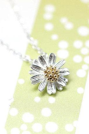 Silver Daisy Flower charm pendant necklace (925 sterling silver / plated over Brass)