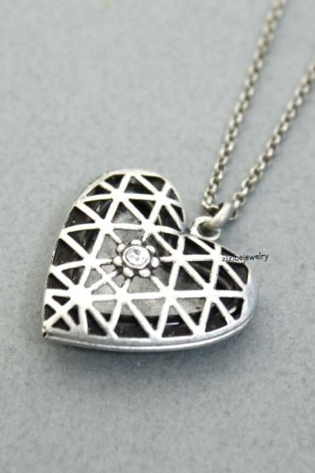 Silver Vintage Style Heart Shaped Cubic Locket Necklace