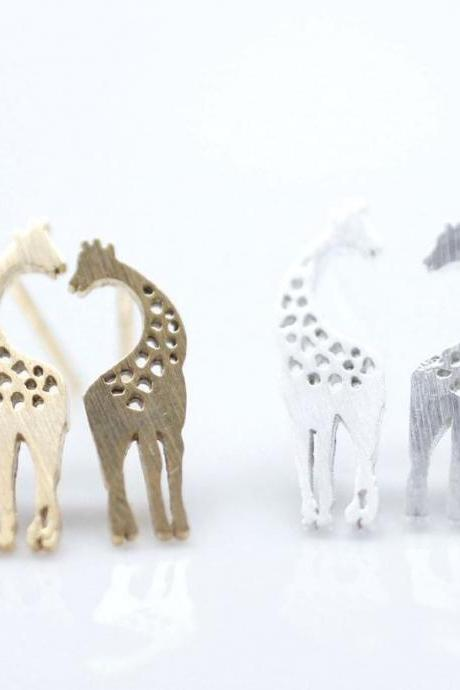 Loving Giraffe pendant earrings in silver/ gold, E0010G