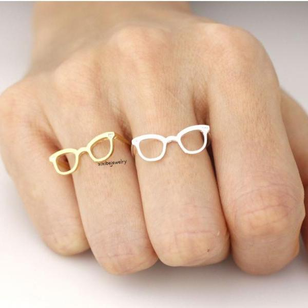 Cute Glasses Adjusted Ring detailed with CZ in Gold /Silver