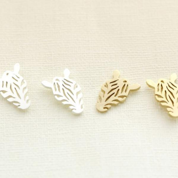 Cut-out Zebra Pendant Earrings in gold / silver