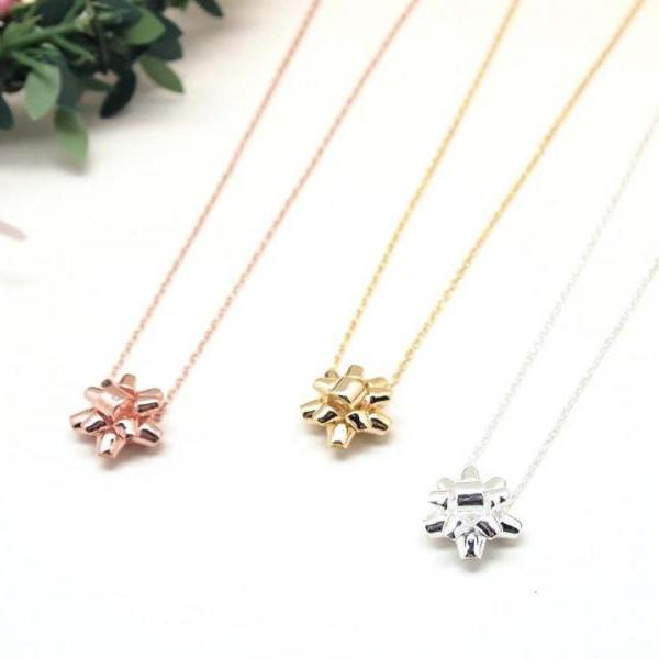 Gift Wrapping Bow Necklace in gold / silver / pink gold