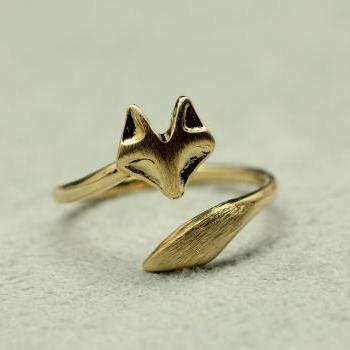 Fox Tail Adjustable Ring in matte gold