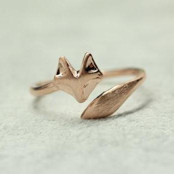 Fox Tail Adjustable Ring in matte pink gold